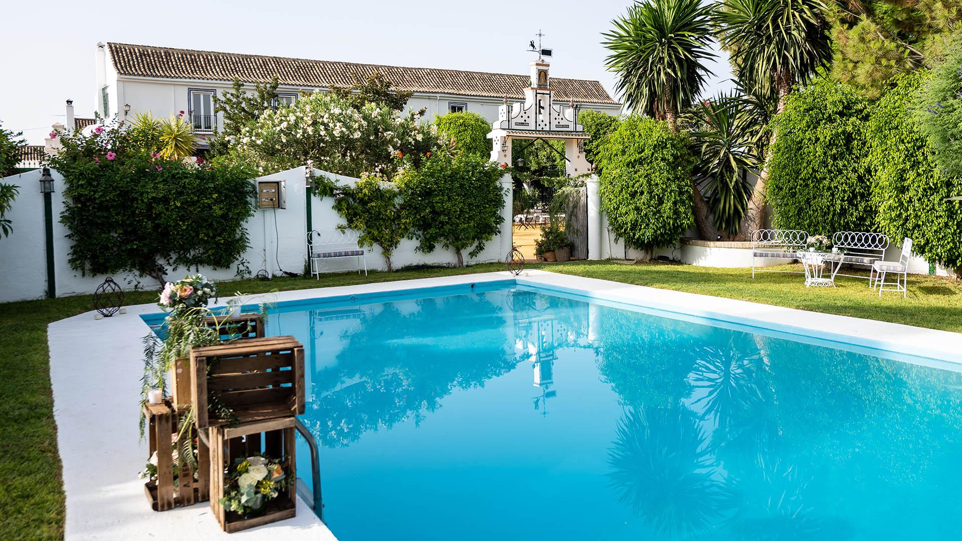 finca con piscina para bodas en sevilla