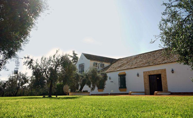 hacienda con jardines en Sevilla
